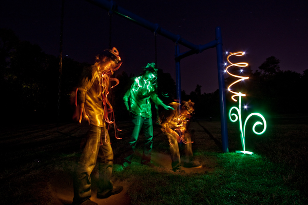 Light Painting Artist Aaron Bauer Aka Drtongs Has Been Capturing Images Since 2005 And Creating Disappearing Designs 2009