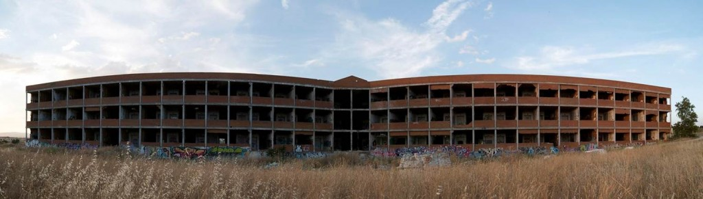 riders-of-light-abandon-building-spain-pano