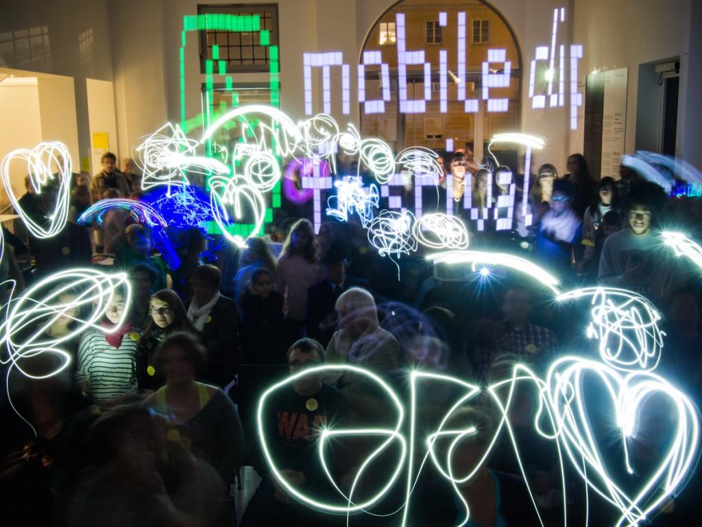 Packet Zuschaueraktion - mobile clip festival 2014 - Lightpainting (C) Ulrich Tausend / Axel Öland (JFF)